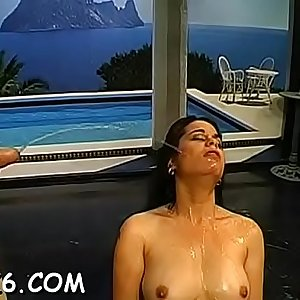 Excited stud gets babes mouth covered with urine matter