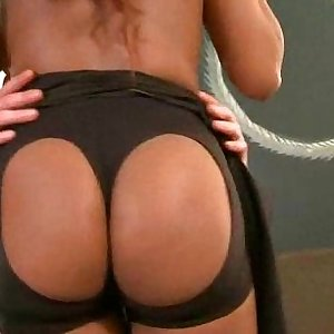 Hottie s round pouch nailed