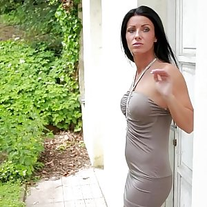 Black haired Honey Tereza in Urgent Need - Masturbation Outdoors