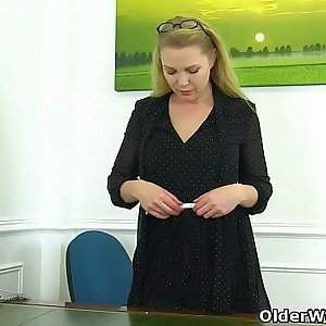 English milf Abis secretary skills are beyond amazing