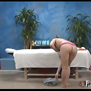 Babe acquires pussy screwed