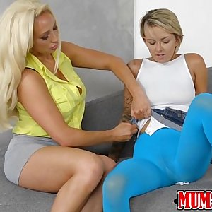 Hot and sexy babe Presley licks and fingers mummy pussy