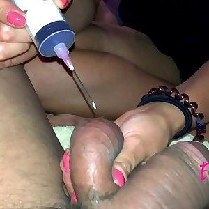 Euroslut Ball Torture: She Puts the Needle in the Ball (Extended Version) [euroslut.club]