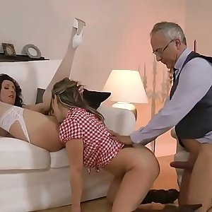 British mummy fucking in euro threesome