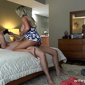 Fucking Wifey And Jizzing On Her Face