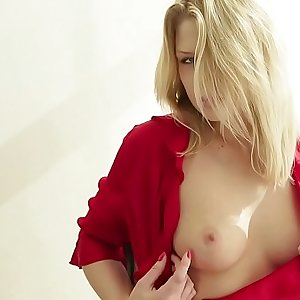 A pretty blonde solo with pussy closeup
