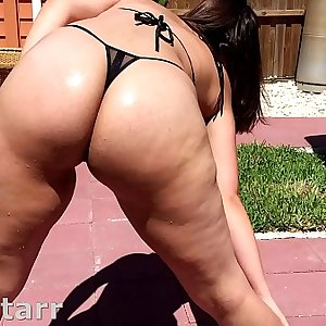 Big Booty Cuban Latina Worship