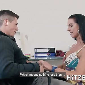 HITZEFREI Texas Patti loves being fucked by junior men
