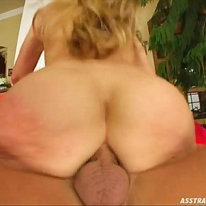 Ass Traffic Big round butt pounded by big cock