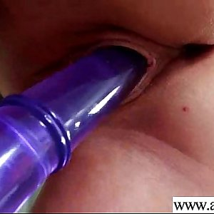 (liona) Alone Horny Woman Put Crazy Stuffs In Her Holes video-13