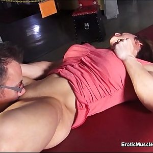 EroticMuscle Clips What Happens in Vegas