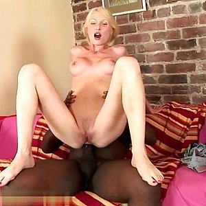 Big ass wife oral
