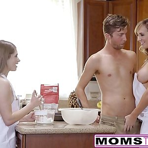 MomsTeachSex - Horny Mom Tricks Teenage Into Hot Threeway
