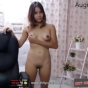 Webcam lady showing pussy