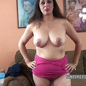 Buxomy MILF Alesia Pleasure is blowing a guy she just met