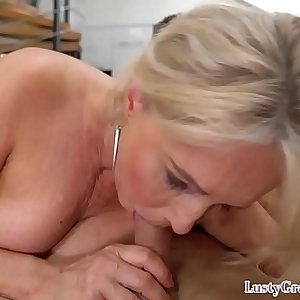 Gorgeous euro granny gets jizzsplattered
