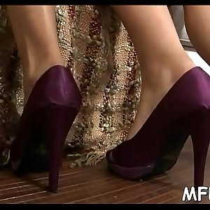 Wicked and experienced milf knows how to use her feet to get sperm