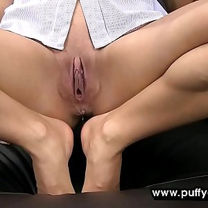 Horny mature honey combines foot fetish and peeing