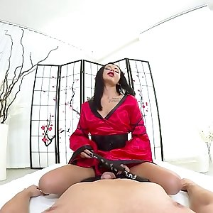 Tmw VR net - Amanda Black - KIMONO QUEEN RIDES BIG DICK