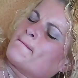 SQUIRTING SCHOOL for young Bitch!!!5079