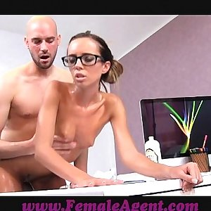 FemaleAgent MILF gets all oiled by massuse stud